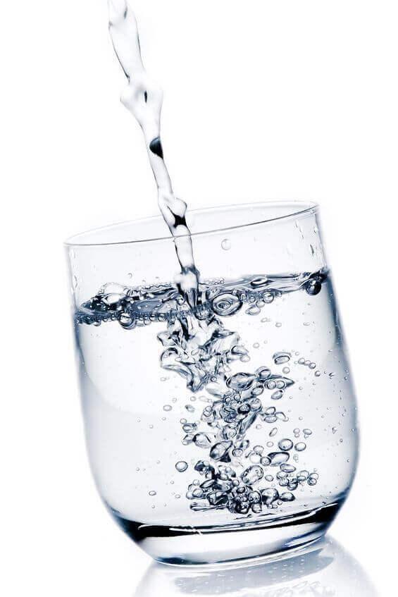 acqua oligominerale bicarbonato alcalina